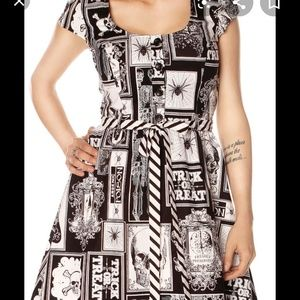Folter Here Comes Halloween dress no belt